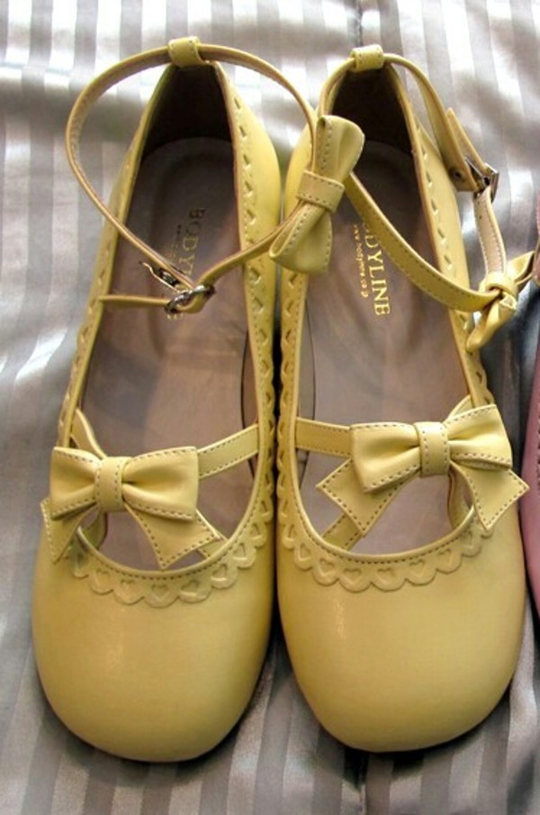 shoes bodyline kawaii lolita lolita japan japanese fairy yellow yellow shoes mary janes mary jane shoes pastel pastel shoes bow
