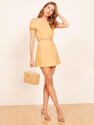 fashiongonerogue blogger top skirt yellow skirt yellow top sandals
