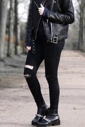 moderosa,blogger,rock,grunge,black boots,grunge shoes,leather jacket,jeans,shoes