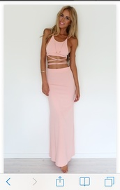 two-piece,long,coral,dress,formal dress,beach dress,top,matching set,matching skirt and top,coral dreams set,prom dress,maxi dress,backless,backless dress,strapless,pastel pink dress,pink dress,pink dess,jumpsuit,skirt,haltr neck,halter neck,aaliyh,crop tops,wrap around,strings,miley cyrus,light pink,alexis ren,pastel,cut-out dress,summer outfits,spring outfits,summer dress