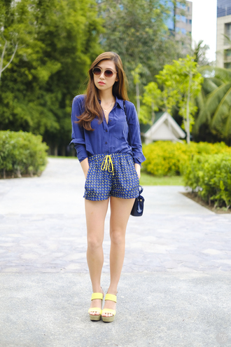 kryzuy blogger shorts blue shirt platform sandals summer outfits top shoes bag sunglasses