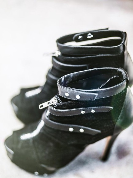 jeans black leggings white dress dress style fashion outfit fall outfits boots skirt t-shirt shirt jacket leather jacket leather skirt jewels wedges high heels High waisted shorts high top sneaker high waisted bikini high-low dresses boho