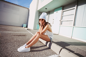 fashion toast sunglasses t-shirt shorts hat shoes