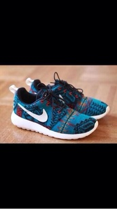 shoes,nike,nike roshe run,pattern,nike aztec roshe run,tribal pattern,runningshoes,aztec,free runs.,aztec shoes,roshes,baby blue,roshe run aztec,nike roshe tribal,nike aztec blue,nike running shoes,running shoes,turquoise shoes