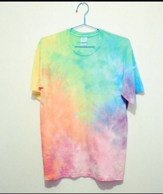 t-shirt tie dye rainbow