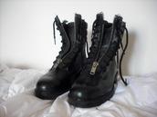 shoes,leather,zipper boots,black,combat boots