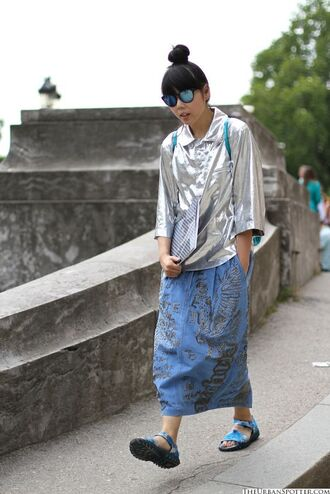 skirt silver top embroidered denim skirt denim skirt maxi skirt embroidered embroidered skirt top sandals blue sandals flat sandals streetstyle sunglasses mirrored sunglasses metallic blouse