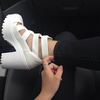 shoes white chunky platform pleather plastic straps strappy sandals heels girl edgy chunky heel chunky sole boots booties ankle caged urban girly hipster grunde