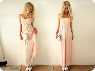 dress maxi dress pink dress pink love nice dress light pink light pink dress sweet dress prom dress bag blonde hair girl maxi long chiffon pretty clutch hair accessory blouse light pink prom dress cute dress prom perfect wavy white rose light coral/pink romantic summer dress
