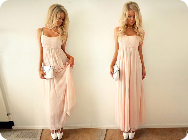 dress maxi dress pink dress pink love nice dress light pink light pink dress sweet dress prom dress bag blonde hair girl maxi long chiffon pretty clutch hair accessory blouse light pink prom dress cute dress prom perfect wavy white rose prom dress light coral/pink romantic summer dress