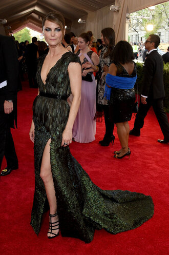 dress gown slit dress red carpet dress green sandals plunge v neck keri russell feathers