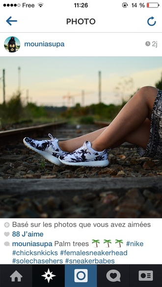 shoes nike hipster running sportswear fit fitness roshes cute kawaii vintage nike roshes floral instagram