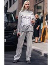 top,high neck,grey pants,underwear,sneakers