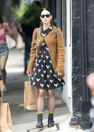 cardigan dress katy perry boots fall outfits sunglasses