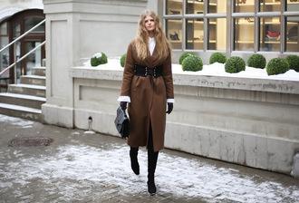 white rabbit dreams blogger coat belt bag shoes