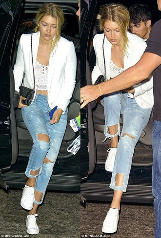 jeans gigi hadid ripped jeans boyfriend jeans ripped boyfriend jeans model denim fashion style jacket top