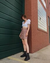 shoes,boots,black boots,skirt,topc,top,crop tops