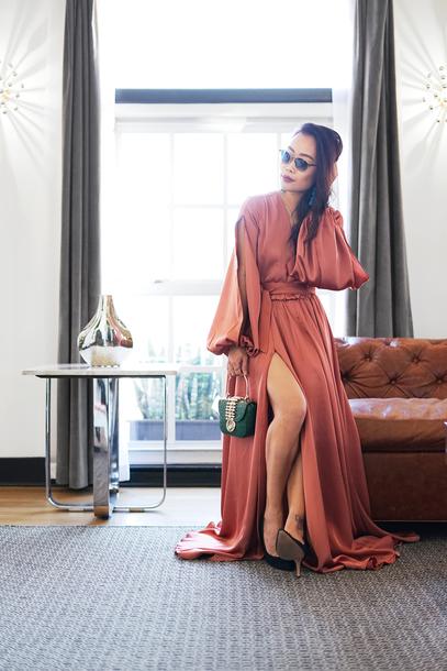 it's not her it's me blogger dress jewels bag shoes maxi dress pumps gown slit dress