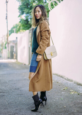 song of style blogger camel coat long coat black heels shoulder bag camel long coat