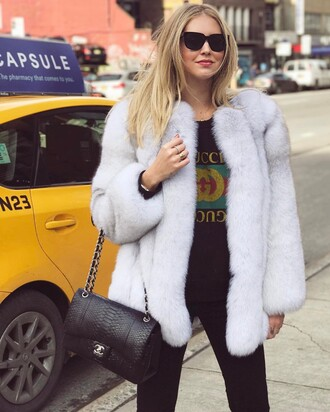 jacket tumblr white fur jacket fur jacket faux fur jacket t-shirt black t-shirt logo tee logo gucci denim jeans black jeans bag black bag chanel chanel bag sunglasses chiara ferragni the blonde salad top blogger lifestyle streetstyle gucci t-shirt