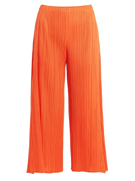 PLEATS PLEASE ISSEY MIYAKE pleated cropped orange pants