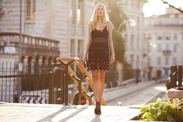 meri wild blogger jewels bag shoes make-up dress
