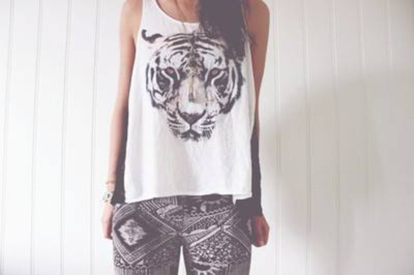 t-shirt shirt t-shirt tiger animal white tank top top jeans shorts tank top tiger tank face black white pants tribal pattern black white aztec print leggings lookbook white tank top cute tiger top