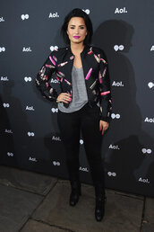 jacket,top,lipstick,bomber jacket,demi lovato