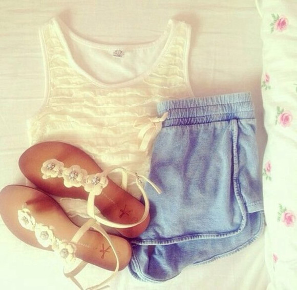 summer shoes white simple cute sandals white sandals flower sandals flower cute outfit simple outfit comfortable