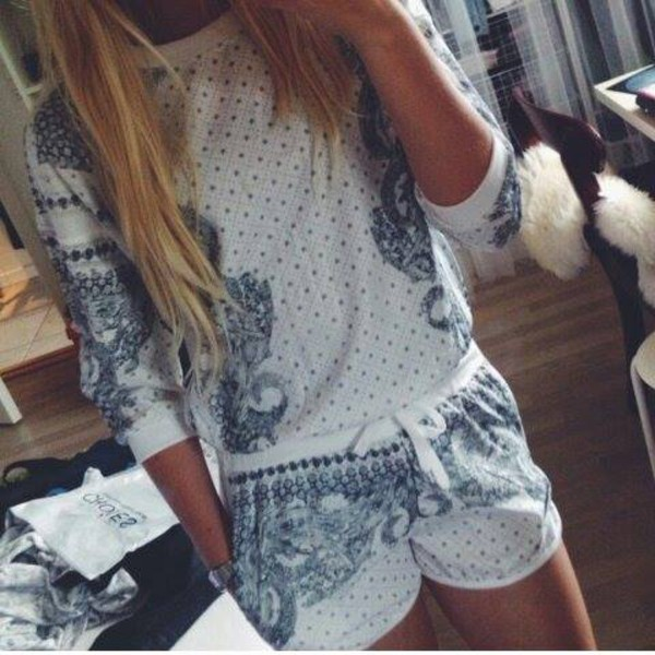shorts blouse white blue suit