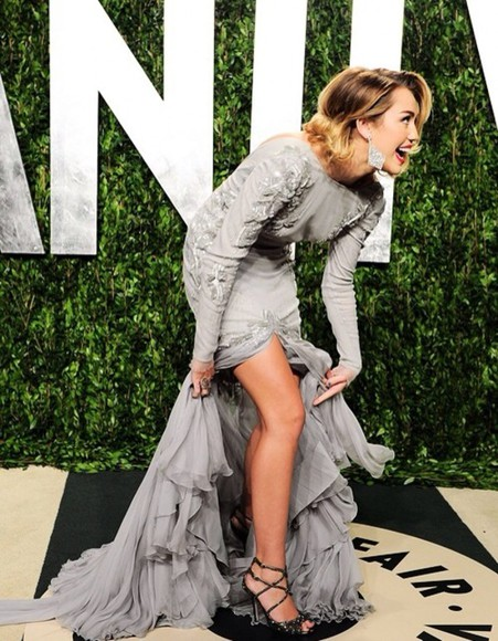 grey beautiful dress miley cyrus stunning