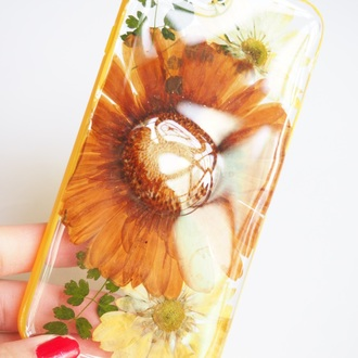 phone cover summer summer handcraft daisy yellow flowers floral cute cool handmade handcraft pressed flowers trendy fashion original iphone 6s iphone cover iphone case samsung galaxy cases valentines day gift idea holiday gift mothers day gift idea gift ideas best gifts
