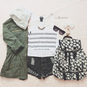 jacket,t-shirt,bag,top,funny,week,boring,girl,oofd,tank top,shirt,hair accessory,coat,green,jewels,shorts,sunglasses,backpack,floral,daisy,back to school