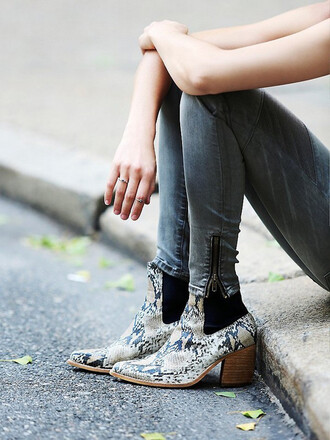 shoes snake print ankle boots tumblr ankle boots mid heel boots boots jeans grey jeans snake print