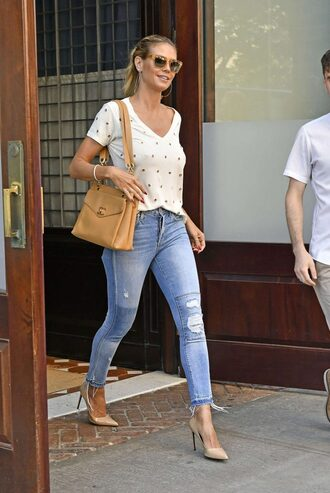 jeans top blouse t-shirt heidi klum streetstyle purse sunglasses