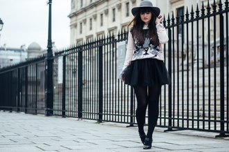 meet me in paree blogger sweater skirt shoes hat bag
