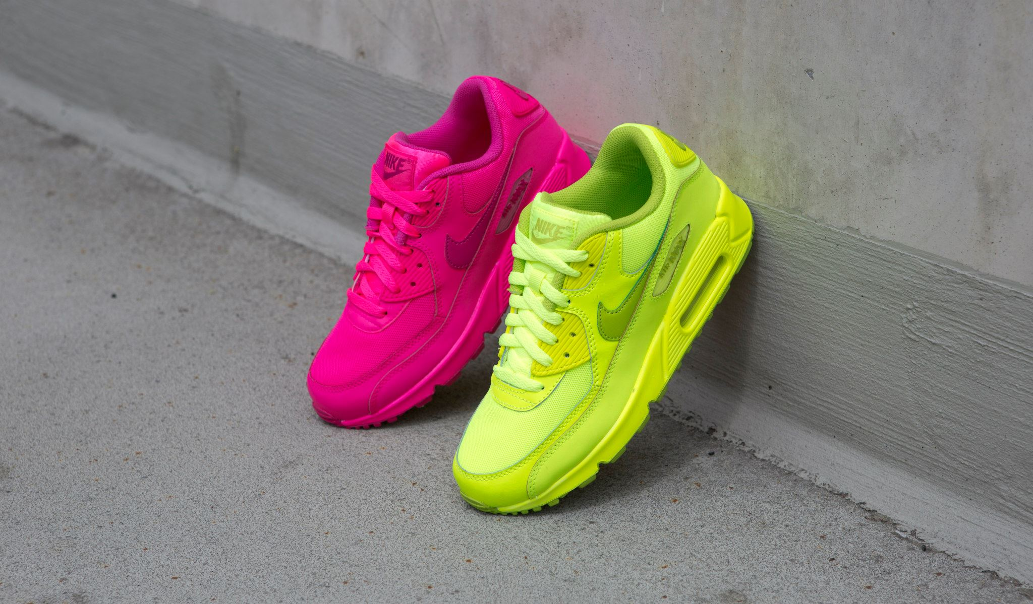 Nike Air Max 90 Blue Pink Green Yellow
