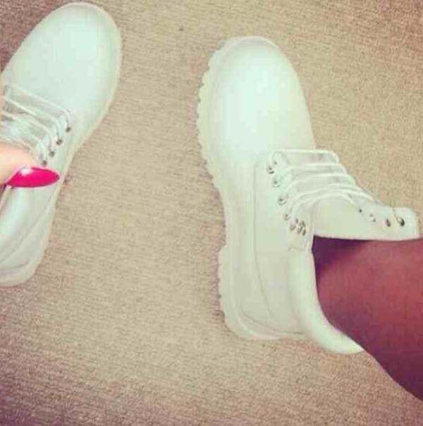 shoes timberlands white boots love timberlands girl blouse timberland white sneakers combat boots ankle boots brand white timberlands white shoes swag white timberlands sneakers boot timberlands boots skirt