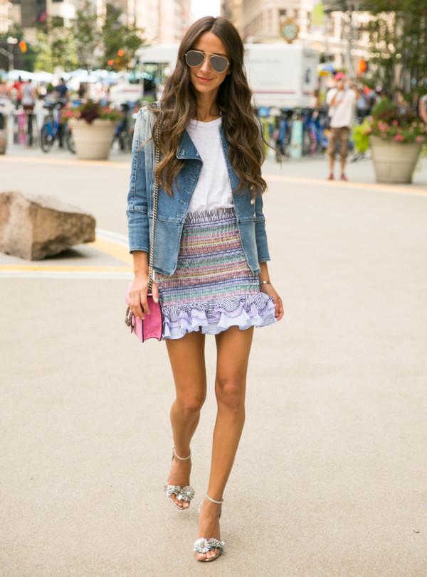 skirt mini skirt denim jacket t-shirt sandals stripped shirred mini skirt blogger blogger style crossbody bag