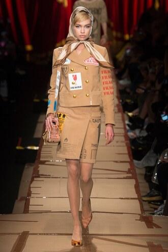 skirt camel jacket two-piece stella maxwell model runway milan fashion week 2017 fashion week 2017 moschino