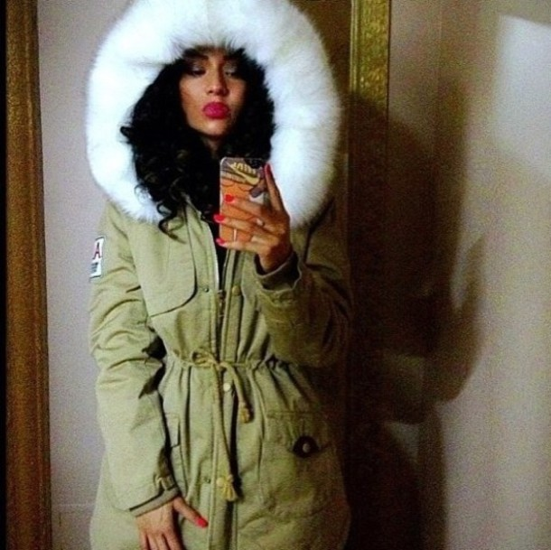 Jacket: green, fur, white fur, parka, winter outfits, weiss ...