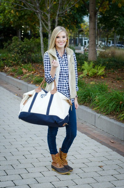 life with emily, blogger, travel bag, maxi bag, duck boots ...
