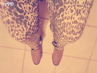 shoes pants jeans leggings tiger print leggings yellow shopping outfit sportswear yoga pants