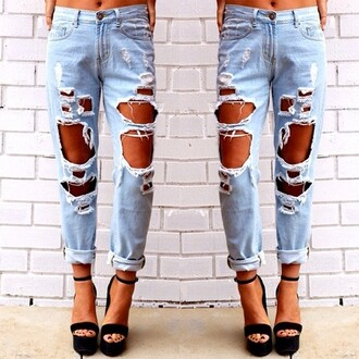 jeans ripped jeans distressed jeans boyfriend jeans shoes high heels cute denim light wash distressed distressed boyfriend jeans