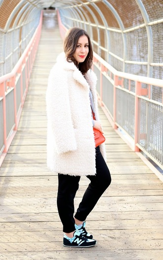 adventures in fashion blogger white coat fuzzy coat black pants nike sneakers