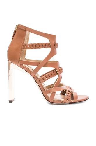 heel brown