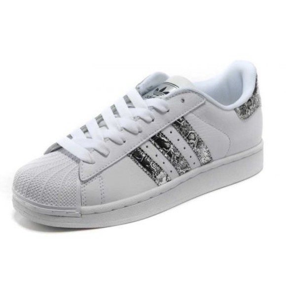 snake print shoes white fashion sneakers white trainers silver adidas adidas sneakers adidaswomen adidas superstar basket perfect sneakers white nike