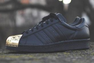 shoes sneakers black sneakers black gold metal adidas superstar adidas shoes gold adidas black adidas