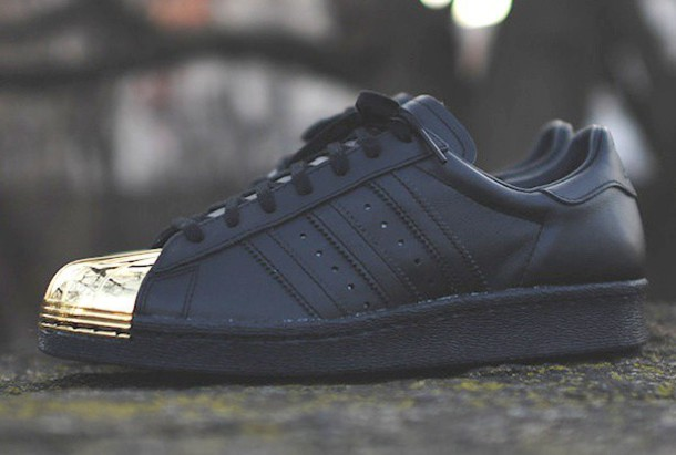 adidas black superstar