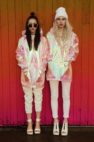 jacket rain coat raincoat holographic grunge wishlist coat shoes cut-out clear booties ankle boots white heels pink iridescent metallic pastel goth pale grunge soft grunge cardigan kawaii tumblr jacket hipster girly holographic jacket windbreaker sunglasses pinterest rebecca fox charlie barker 90s style septum piercing rainbow magic